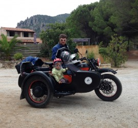 Sidecar rental , fun for all the family, Classic Bike Esprit, St Rémy de Provence, France